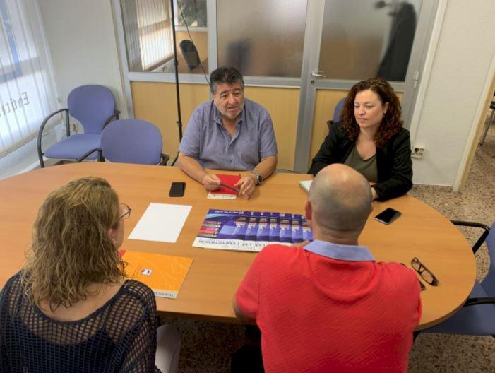 La regidoria de Serveis Urbans s'ha reunit amb l'Associació Empresarial Alzira per tractat el problema del cartó comercial