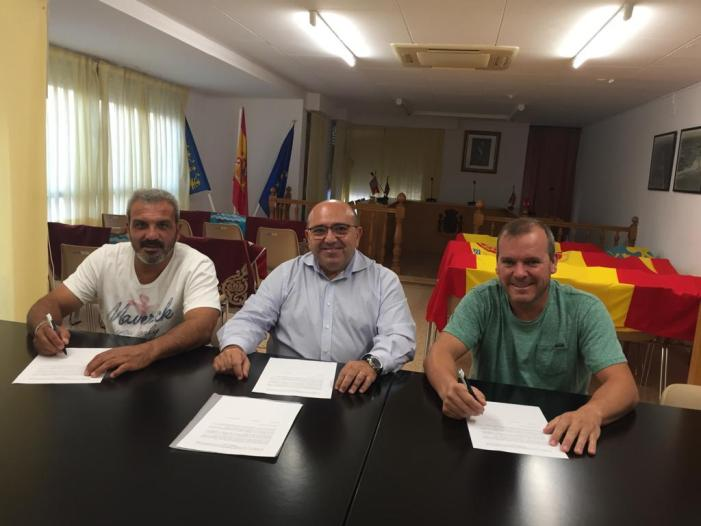 L'Ajuntament i les dos falles del Perelló signen un acord de col·laboració
