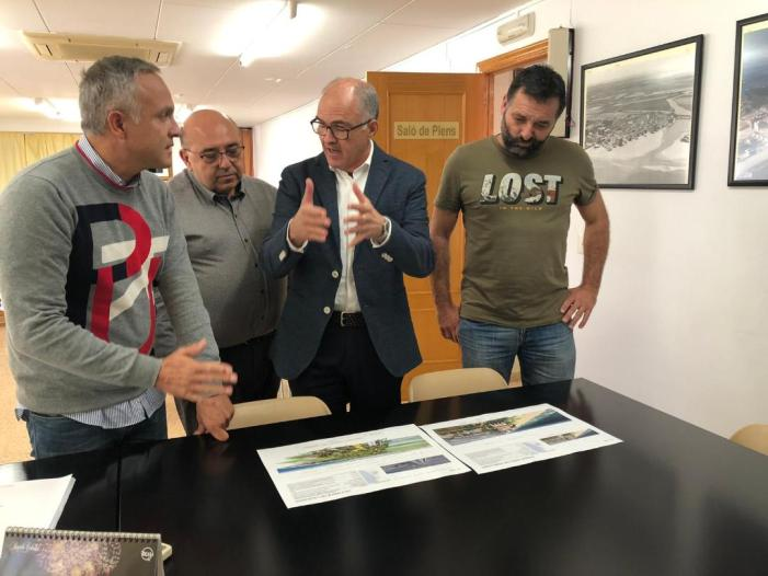 El senador Fernando De Rosa visita El Perelló per a interessar-se per la situació de la CV-500 i les obres del nou Centre Cultural