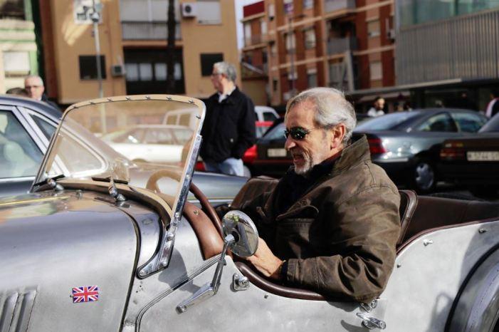 Més de 150 joies automobilístiques visiten Torrent en la Concentració de Vehicles Clàssics