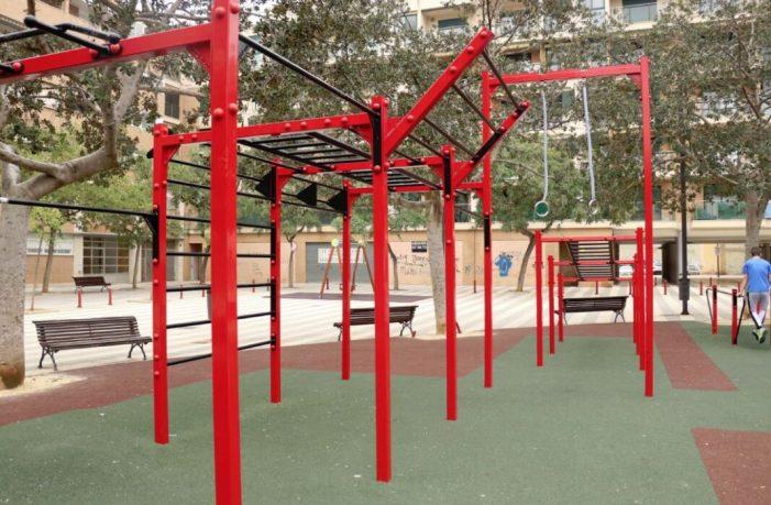 La plaça Fra Antonio Panes de Torrent ja té un nou espai per a practicar esport a l'aire lliure