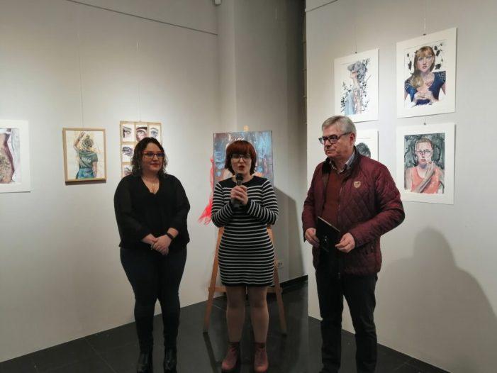 El 'Diari de viatge' de la pintora Elena Muelas s'exposa a Almussafes