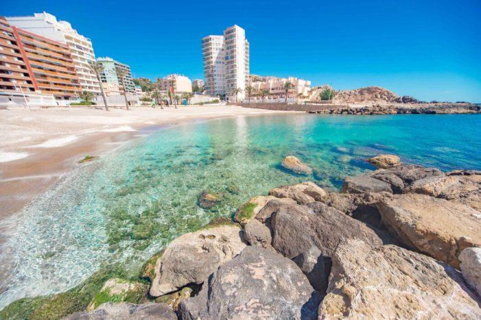 Cullera elabora un pla per a garantir platges segures a l'estiu