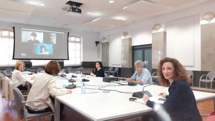 La regidoria de Joventut de València col·labora per, primera vegada, en un programa per ajudar a les dones cineastes