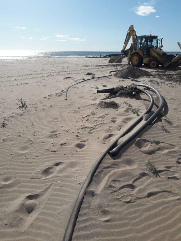 Avancen els treballs de reparació de les platges afectades pel temporal Gloria a València