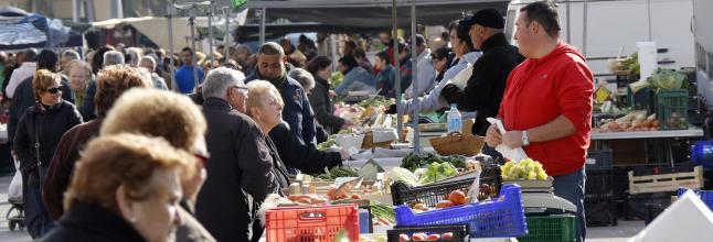 Alzira obri el próxim 6 de maig el mercat ambulant dels dimecres, sols per a productes d'alimentació