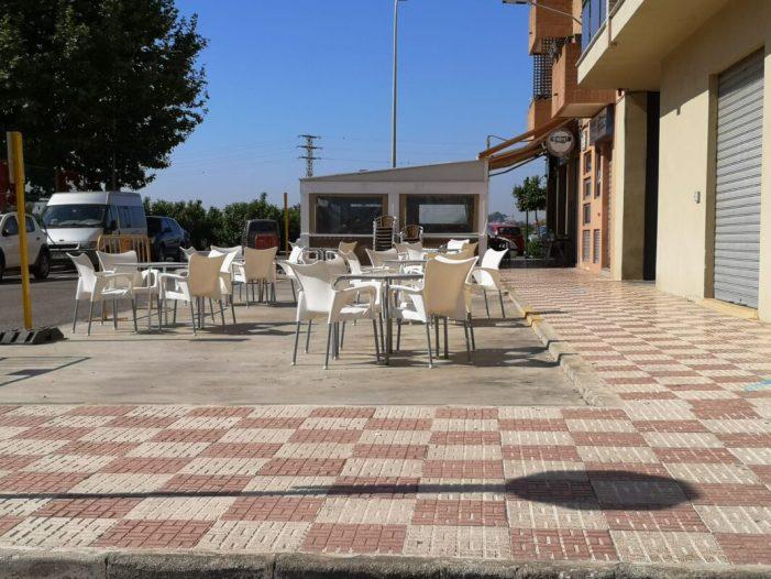Almussafes amplia l'espai de les terrasses habilitades per l'hostaleria