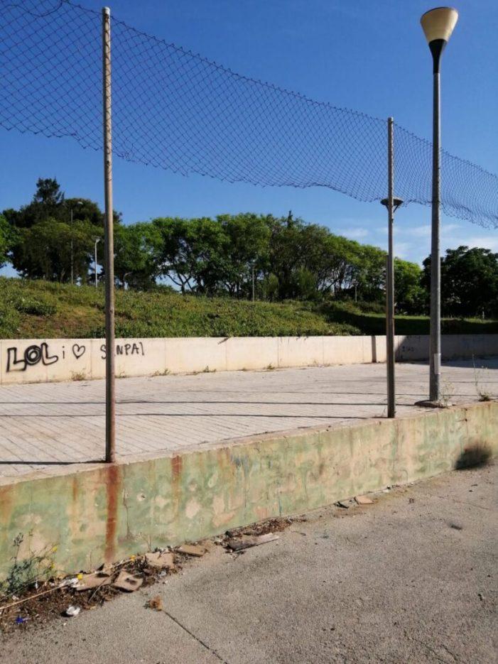 Podemos Paterna exigeix la neteja i reparació de les instal·lacions esportives de la Coma