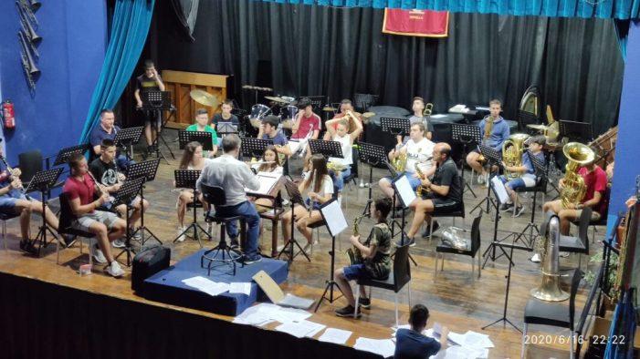 La banda Cercle Instructiu Musical de Xirivella torna als assajos en grup