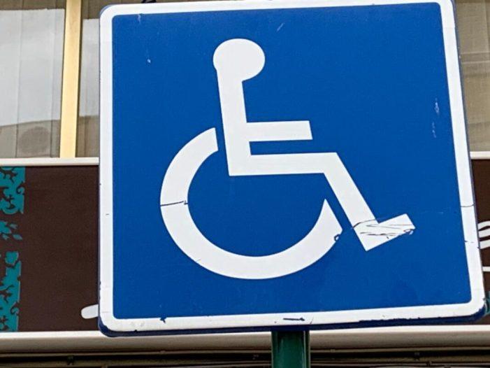 Alzira ha sol·licitat una subvenció de la Generalitat que permetrà gestionar els aparcaments per a persones amb discapacitat
