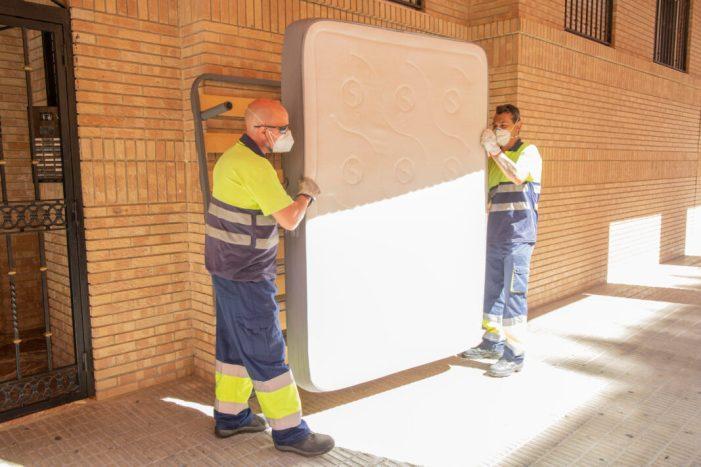 El servei de recollida de mobles i trastos vells de Picassent treballa a ple rendiment