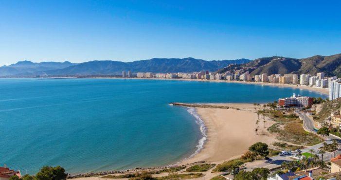 Cullera tancarà les seues platges a partir de les 22.30 hores