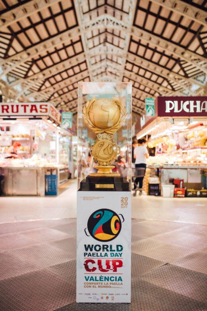 Expo de la copa del torneig gastronòmic Paella Cup al Mercat Central de València