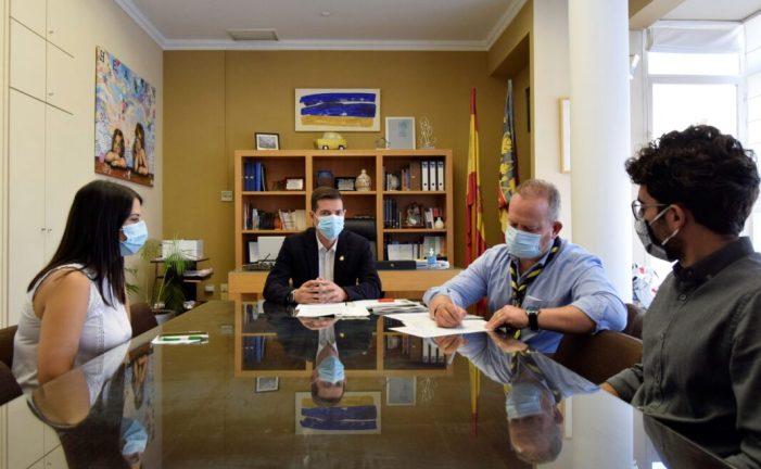 L'Ajuntament de Burjassot renova el seu conveni de col·laboració amb el Grup Scout Impeesa 243