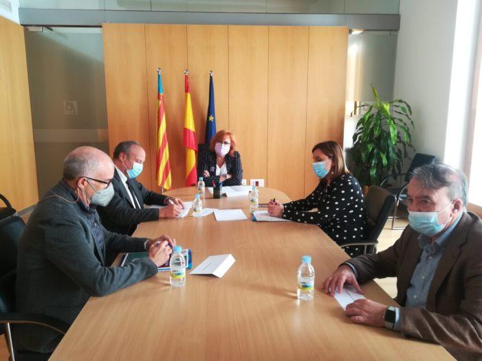 La delegada del Govern i el subdelegat a València reben a la portaveu del PP a l'Ajuntament de València
