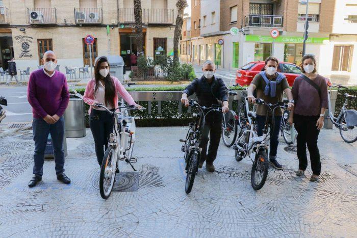 Torrent fomenta la mobilitat sostenible entre els treballadors municipals mitjançant l'ús de bicicletes elèctriques
