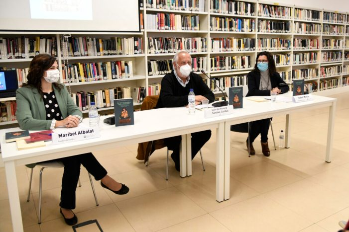 La Biblioteca de Paiporta acull la presentació del llibre de Lluís del Romero, 'La meva cambra més estimada', homenatge a sa mare, la gran escriptora Carmelina Sánchez-Cutillas