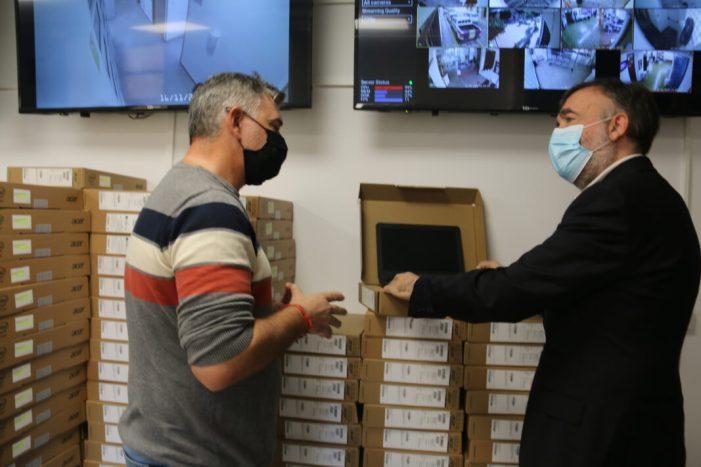 L'Alcúdia repartix 270 ordinadors entre l'alumnat