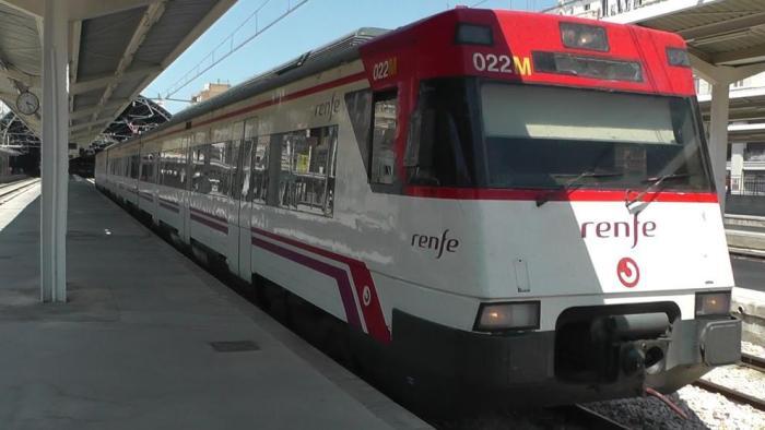 Alzira concedix les beques de transport per a universitaris