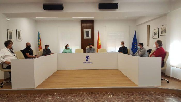 Delegats sindicals i Ajuntament d'Almussafes exigeixen millores en les àrees industrials per a evitar inundacions