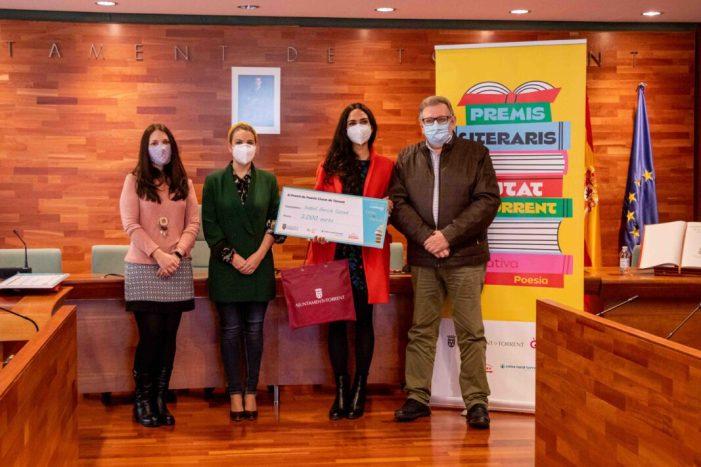 Salvador Laudet i Isabel Garcia, guanyadors dels 'Premis Literaris Ciutat de Torrent'