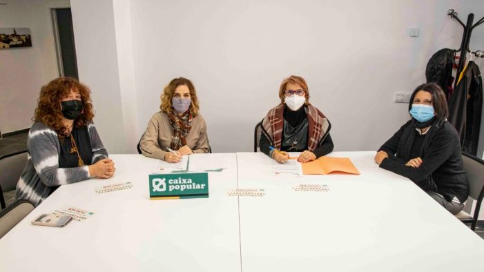 L'Ajuntament i Caixa Popular signen un conveni per fomentar  les compres en Picassent