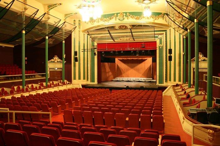 El calendari municipal d'Alzira per al 2021 està dedicat al Gran Teatre amb motiu del seu centenari