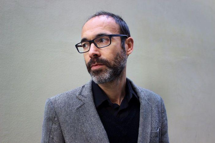 L'escriptor Gabi Martínez participa en el cicle 'Presents densos' a l'IVAM