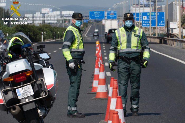 La Guàrdia Civil de València en els tancaments de punts perimetrals de la província en aquesta última setmana s'ha confiscat entorn a 12 kg de cocaïna i prop de 30 kg de marihuana