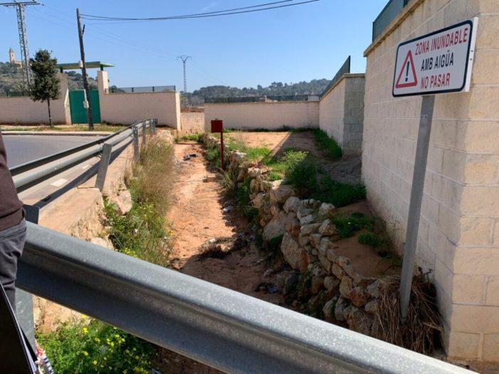 Hui s'han iniciat en Alzira les obres de condicionament del barranc Fosc per tal de minimitzar les inundacions en l'Alquenència i Venècia