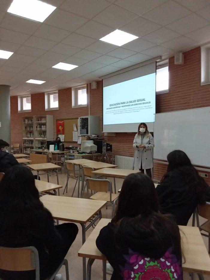 Joventut posa en marxa tallers per a fomentar relacions igualitàries entre l'alumnat de l'IES de Foios