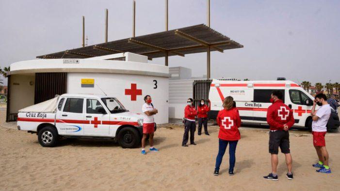 """El dispositiu de salvament i socorrisme a les platges urbanes de València per Setmana Santa registra """"una xifra molt baixa d'incidències"""""""