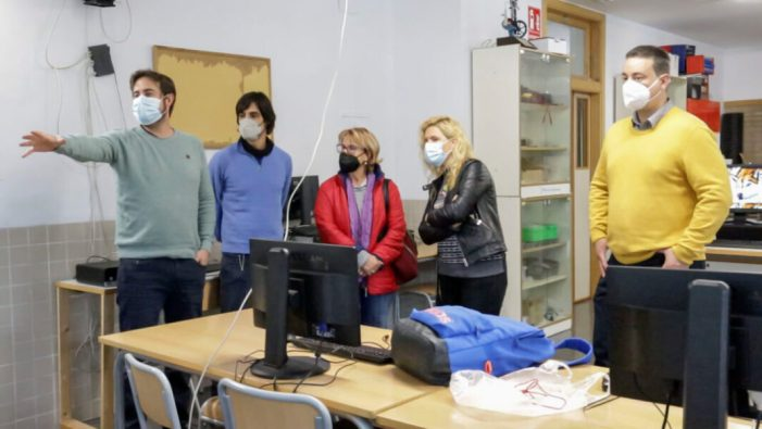 L'Ajuntament de Picassent ha destinat vora 30.000 euros al projecte de robòtica de l'IES L'Om on ja han participat més de 600 alumnes del municipi des de 2016