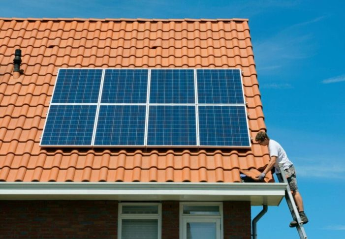 Sellent aplicarà beneficis fiscals als veïns que instal·len plaques fotovoltaiques