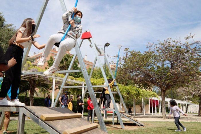 Alaquàs estrena les tirolines del parc de la Sequieta