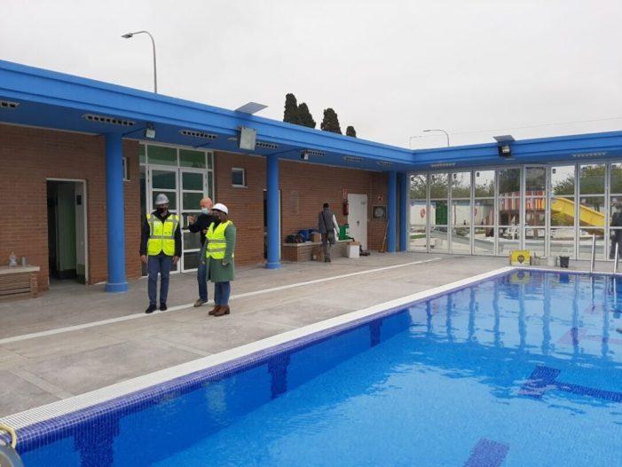 Les obres de reforma de la piscina coberta d'Almussafes, en la recta final