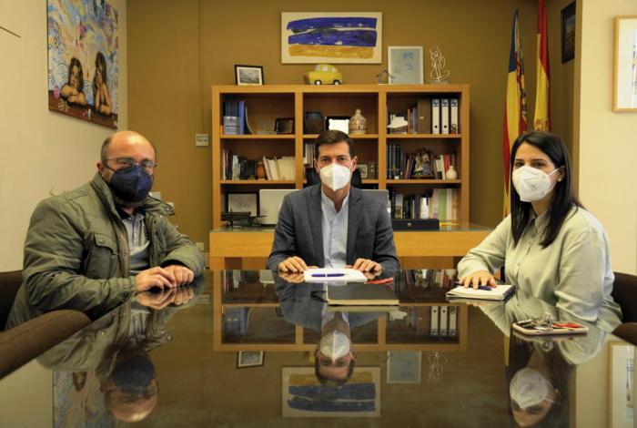 L'Ajuntament de Burjassot mostra el seu suport a la Federació d'Artistes Fallers