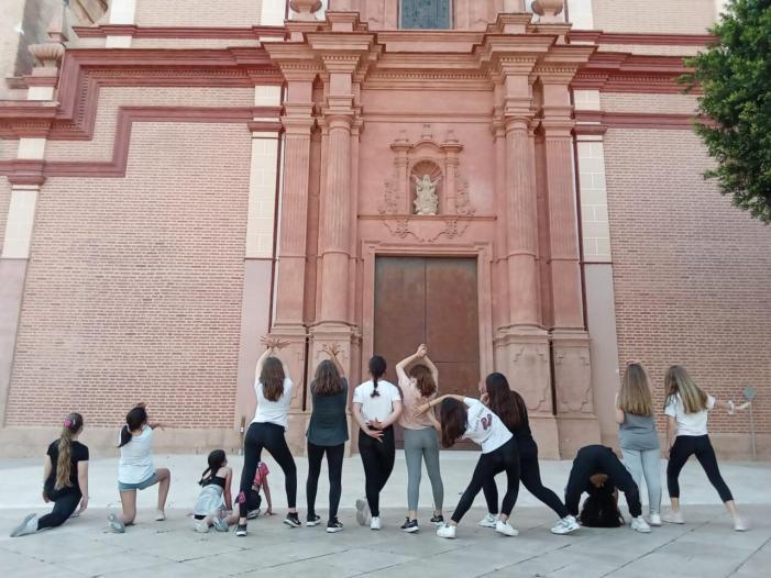 Foios ofereix una jornada amb activitats de música i dansa per a la població jove
