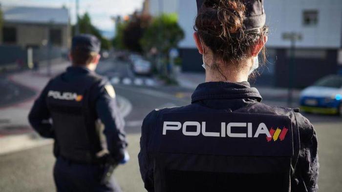 La Policia Nacional deté a un home en possessió d'una escopeta per amenaçar a la seua ex parella
