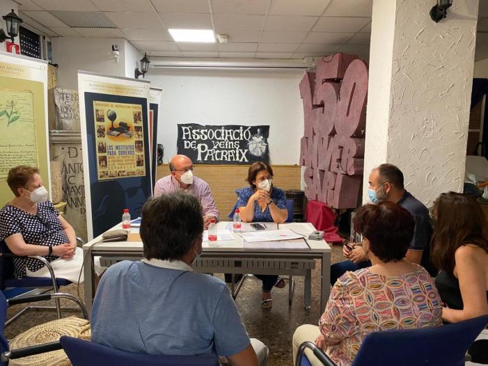 L'Ajuntament deValència supervisa amb el veïnat de Patraix la renovació de l'enllumenat públic del barri