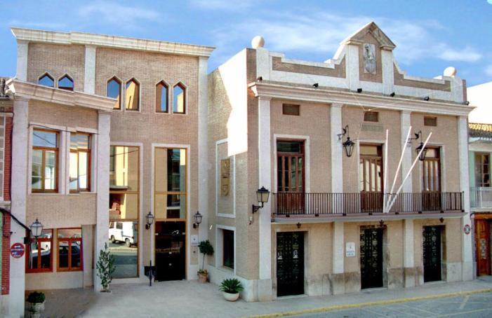 Ingressats prop de 281.500 euros a 120 sol·licituds de les Ajudes Parèntesis per a empreses i persones autònomes d'Alboraia