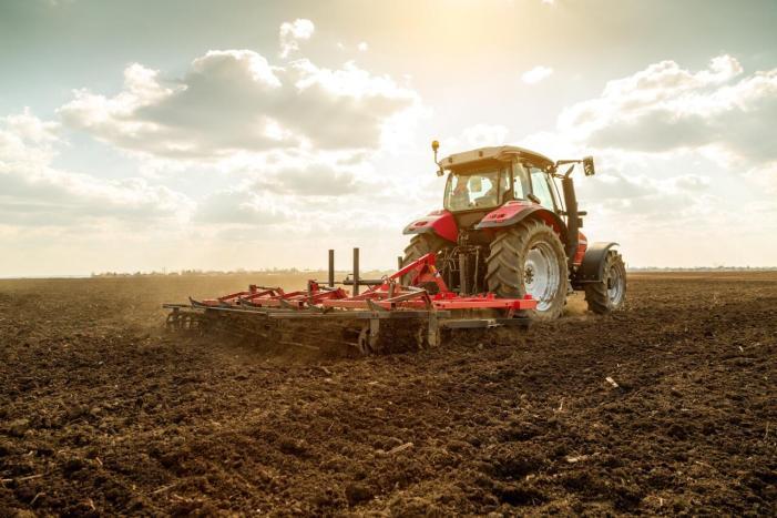 LA VA UNIR critica que el Ministeri d'Agricultura seguisca sense tindre en compte la llei de modernització agrària en el Pla Renove de maquinària agrícola