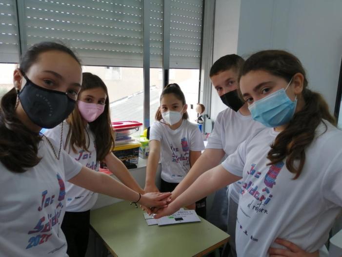 """Al voltant de 800 alumnes han participat en l'experiència """"el retorn"""" del joc solidari d'Alaquàs"""
