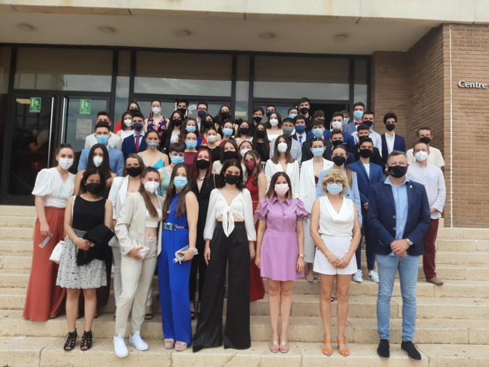 L'IES Almussafes gradua a 51 estudiants de Batxillerat