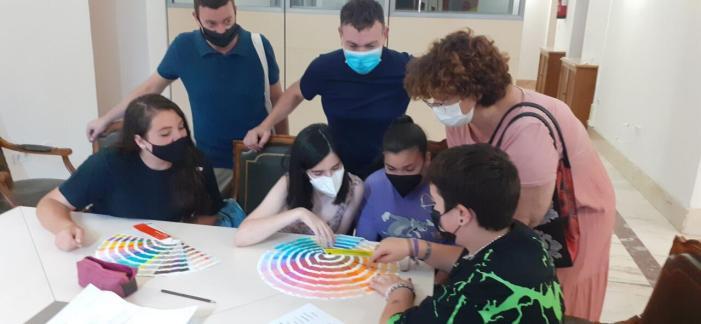 El Consell de la Infància de Catarroja elabora el seu propi logo en un taller impartit per professionals del disseny
