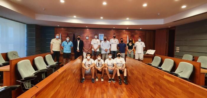 L'Ajuntament de Torrent rep a l'equip Nou Basket