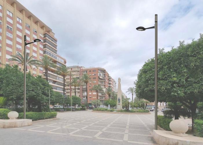 L'Ajuntament d'Alzira licitarà el canvi dels nous fanals de la plaça del Regne amb una alçada de cinc metres