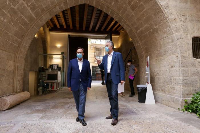 Héctor Illueca i Vicent Soler mantenen una trobada de treball davant els pròxims Pressupostos de la Generalitat