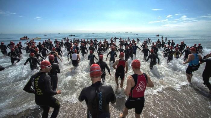 La Marina i els Poblats Marítims acullen el primer Campionat d'Europa de Triatlón tras la pandèmia amb vora 2.400 atletes de 40 països