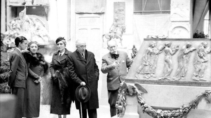 Les rutes guiades pel 'Museu del Silenci' del Cementeri General es reprenen a l'octubre i s'inaugura una de nova en el del Cabanyal